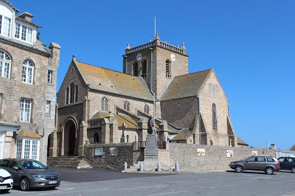 Die alte Kirche von Barfleur.
